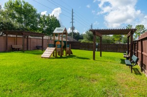 Apartments in Katy, TX - Dog Park Play Area with Seating